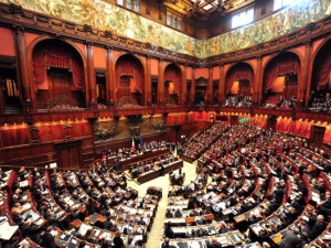 Il naufragio del parlamento idee in movimento for Streaming parlamento